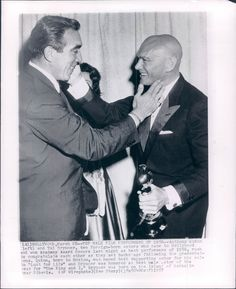 """The Academy Awards Ceremony Anthony Quinn Best Supporting Actor Oscar for 'Lust for Life'' Yul Brynner Best Actor Oscar for """"The King and I"""" 1956 Presenter Hidden: Anna Magnani Smack Face Oscar Movies, New Movies, Good Movies, Hollywood Stars, Old Hollywood, Academy Award Winners, Oscar Winners, Academy Awards, Yul Brynner"""