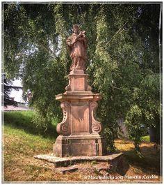 #manetin #sculpture #statue #history #heritage #architecture #zamekmanetin #czechia #cesko #česko #ceskarepublika #czechrepublic #czech #trip #travel #vylet #cestovani #retroturistika #2017 #saint #santa