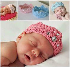 DIY Adorable Crochet Newborn Crown | iCreativeIdeas.com Follow Us on Facebook --> https://www.facebook.com/icreativeideas