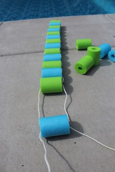 continue to string rope ends through all pool noodle sections Summer Crafts For Kids, Summer Activities For Kids, Family Activities, Kid Crafts, Diy Pool Toys, Pool Noodle Crafts, Swimming Pool Games, Lake Toys, Pvc Projects