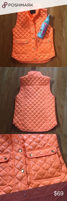 [J. Crew] Shiny Quilted Puffer Vest Orange OFFERS WELCOMED NEW WITH TAGS J. Crew Shiny Quilted Field Puffer Vest in bright orange color!  Perfect for layering on a spring outfit! Size is Petite XS, but can fit XXS or XS Petite or Regular size. No trades, please! ✨20% OFF 2+ ITEM BUNDLE✨ J. Crew Jackets & Coats Vests