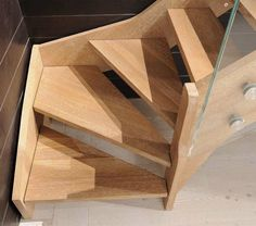 Quarter-turn staircase / wooden steps / lateral stringer / without risers…