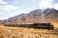 Peru Bahnreise mit der Andenbahn: Eine der besten Zugfahrten in Südamerika ist sicher die zehnstündige Fahrt von Puno am Titicacasee nach Cuzco bzw. in Gegenrichtung von Cuzco nach Puno (Peru).