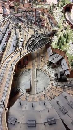 model trains for beginners ho scale turntable learn about model rh pinterest com au
