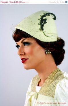44d4847f333 50s vintage New Look ivory tilt hat   Clemar Original