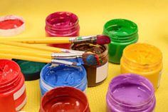Acrylic paint on fabric is one of the upcoming artistries and a craze among children and artists alike. With the use of some techniques, you can come up with some fabulous designs.