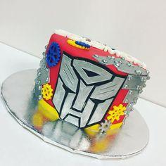 Transformer Cake Fun! #showboybakeshop #bakery #lasvegas #vegas #anthem #sevenhills #summerlin #bestoflasvegas2016 #bestoflasvegas2015 #bestoflasvegas2014 #cupcakewars #cakewars #foodnetwork #custom #cake #cakes #cakesofinstagram #instacake #instacakes #instabakers #insta #transformers