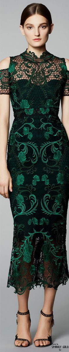 Marchesa Notte Pre Fall l Ria Fashion Moda, Fashion 2017, Runway Fashion, Womens Fashion, Green Fashion, High Fashion, Lace Dress, Dress Up, Mode Glamour