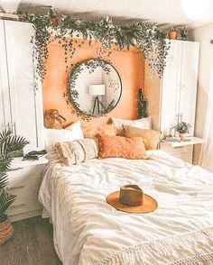 Bohemian Bedrooms, Boho Bedroom Decor, Living Room Decor, Dining Room, Decor Room, Bedroom Decor For Women, Bohemian Apartment, Small Bedroom Designs, Small Room Bedroom