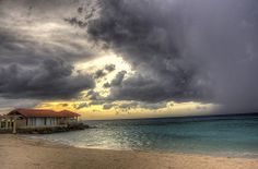 Jamaican Sky ✵ Start discovering everything that Jamaica has to offer http://www.thewondermap.com/trip-to-jamaica/