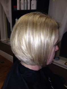 Love these inner layers.  They create great movement with this Bob! Chin Length Cuts, Bob, Layers, Create, Layering, Bob Cuts, Bob Sleigh, Chin Length Haircuts, Bobs