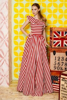 [[MORE]] Yulia Prokhorova Cruise Collection - Summer 2014 Source Dressy Dresses, Elegant Dresses, Beautiful Dresses, Summer Dresses Online, Look Fashion, Fashion Outfits, Frocks For Girls, Dress Indian Style, Latest African Fashion Dresses