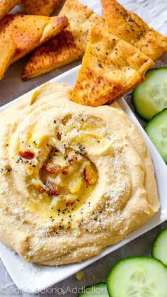 The BEST trick to seriously smooth hummus. Works like a charm every time! Roasted garlic and Parmesan hummus. Vegetarian Recipes, Cooking Recipes, Healthy Recipes, Vegetable Recipes, Tapas, Homemade Hummus, Homemade Salsa, Good Food, Yummy Food