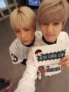 Mark and Jackson- Markson on Arirang After School Club Yugyeom, Youngjae, Markson Got7, Kaisoo, Chanbaek, Girls Girls Girls, Wang Jackson, Got7 Jackson, Jaebum