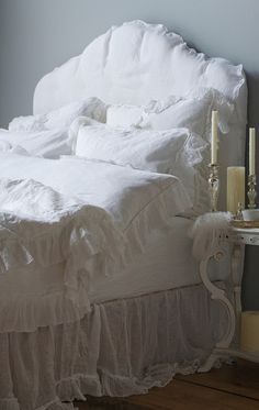Inspiration in White - Bedrooms! - lookslikewhite Blog - lookslikewhite