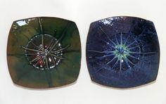 """2 vtg retro enamelled copper pin dishes green & blue modernist starburst 3¾"""""""