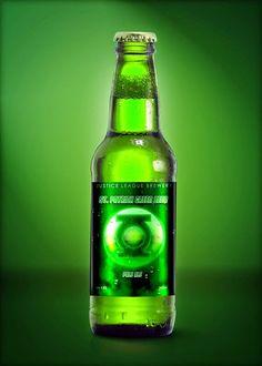 Botellas de cerveza que se transforman en superhéroes ~ La Caja de Inventia | Blog de Comunicación Creativa y Tendencias