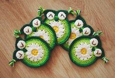 Crochet daisy owl coaster  Crochet Owl by Emmacrochetdesign4U