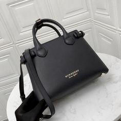 Luxury Purses, Luxury Bags, Luxury Handbags, Fashion Handbags, Fashion Bags, Fashion Fashion, Luxury Bag Brands, Fashion Spring, Fashion Clothes