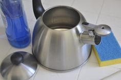 Tips for Cleaning Pots, Pans, Teapots – Kitchen Utensils Ideas Kitchen Utensils, Kitchen Appliances, Clean Pots, Kettle, Cleaning, Tips, Anne, Teapots, Models
