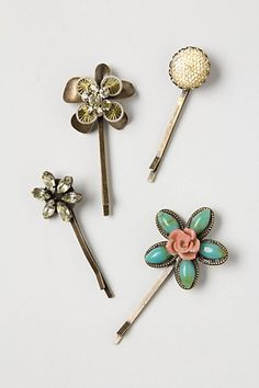 Cassie Stephens: DIY: Bedazzled Bobbie Pins