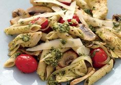 Penne with Mushrooms and Artichokes    Tired of your same-old pasta standby recipes? Try this penne dish filled with spicy garlic and hearty vegetables. Homemade pesto adds flavor and fights belly fat.    Calories per serving: 377