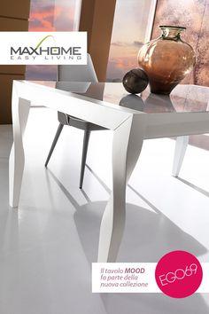 MOOD è un tavolo rettangolare allungabile che esprime, come caratteristica primaria, la forma originale della gamba ritorta su se stessa. Disponibile nei colori bianco e fango. MOOD, è il tavolo ideale per ambienti moderni ed attuali.