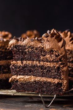 This is a great recipe for Chocolate Zucchini Cake with Chocolate Frosting! 2 cups of shredded zucchini makes this cake so moist and delicious. Salted Caramel Chocolate, Chocolate Caramels, Chocolate Recipes, Zucchini Desserts, Zucchini Cake, Marzipan, Mini Cakes, Cupcake Cakes, Cupcakes