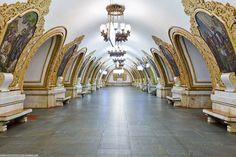 http://blog.ludevie.com.br Kievskaya Metro Station, Moscou, Rússia Foto: Imgur