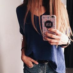 Viste tu móvil con estilo con nuestras fundas BCN Brand 😜💕💥 #bcn #iphonecover #pinkiphonecover #fashion #design