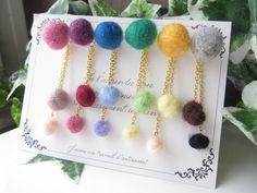 色組合せ変更可☆羊毛フェルトの色遊びピアス Felt Toys, Diy Accessories, Needle Felting, Wool Felt, Dangle Earrings, Jewelry Box, Felted Jewelry, Crochet Necklace, Dangles
