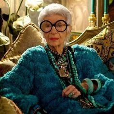 iris apfel is set to become an emoji http://ift.tt/28KfeCg #iD #Fashion