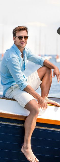 Short sleeve t-shirts Man MOSCHINO   Glamorous Men Style Fashion ...