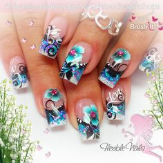 #nailart #nails #summer #flowers #airbrush #white #blue #sparkle