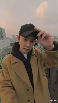 BBHyun_ te ha empezado a seguir. BBHyun_ te ha enviado un mensaje. Exo Chanyeol, Kpop Exo, Kyungsoo, Chanbaek, Chansoo, Exo Album, Exo Lockscreen, Z Cam, Kim Minseok