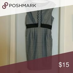 ♤2for$13♤The Perfect Dress Black and White Dress with a side Zipper. Perfect for a dinner date or the office. Dresses