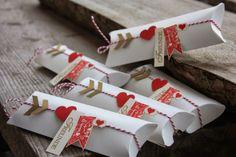 Polly kreativ: Wolleleien - Verpackung mit dem Pillow Box Punch Board und SU