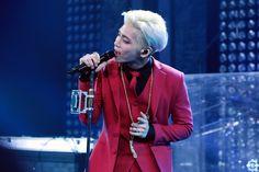 p.408 :: 150811 La unelma konsertti tiistai - Red Suit