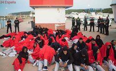 Rescatada una patera con hasta 56 personas a bordo en Barbate