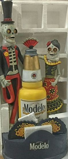 """NEW!! 44"""" Modelo Especial Day of the Dead bobblehead Halloween holiday beer tap"""