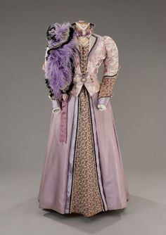 Costume designed by Maurizio Millenotti for Judi Dench in The Importance of Being Earnest From Tirelli Costumi 1890s Fashion, Edwardian Fashion, Vintage Fashion, Pretty Dresses, Beautiful Dresses, Judi Dench, Vintage Dresses, Vintage Outfits, Victorian Costume