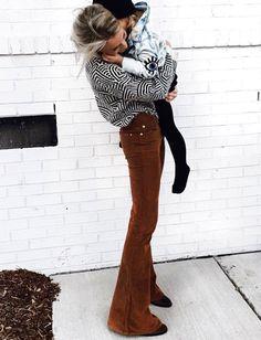Wanted : un slim pattes d'eph' en velours marron (slim Citizens of Humanity - photo Mary Seng)