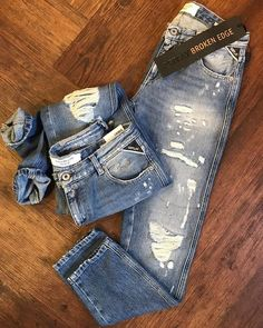 REPLAY BROKEN EDGE#boyfriend #katewin #brokenedge #unique #denim #streetstyle #replay #jeans #fashion #destroyed #love #worldkoblenz