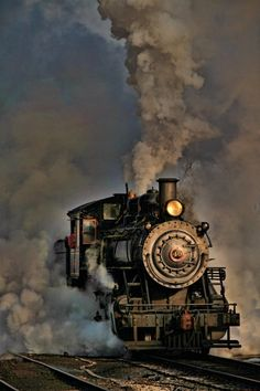 The steam engine is a modern marvel that revolutionized the travel and shipping industry. The steam locomotive was invented by George Stephenson in 1814 Motor A Vapor, Old Steam Train, Steam Engine Train, Train Art, Train Pictures, Baby Pictures, Old Trains, Vintage Trains, Train Engines