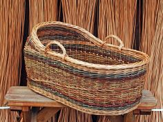 One of the more impressive willow baskets is the bassinet sometimes called a Moses basket. Some images of willow bassinets made by Katherine Lewis. Willow Weaving, Basket Weaving, Baby Baskets, Woven Baskets, Traditional Baskets, Square Baskets, Moses Basket, Newspaper Crafts, Baby Bassinet