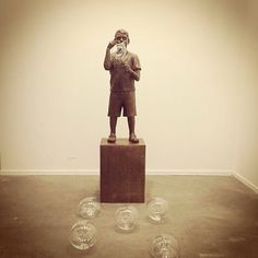 Na medida do Impossível | As far as impossible | bronze e vidros | 210 x 60 x 55 cm