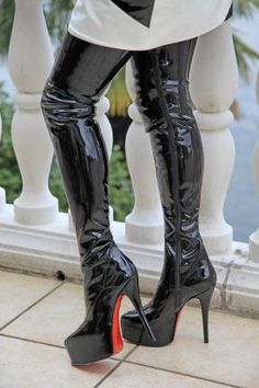Black Overknee patent leather boots with platform - Boots Thigh High Boots, High Heel Boots, Over The Knee Boots, Heeled Boots, Platform High Heels, Black High Heels, Sexy Boots, Sexy Heels, Black Boots