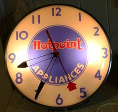 Hotpoint Appliances Antique Clock (Vintage 1950 Light Up Telechron Advertising Pam Clock)