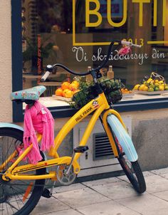Yellow bicycle in Stockholm, January Touring Bicycles, Stockholm, Baby Strollers, January, Yellow, Children, Travel, Vintage, Baby Prams
