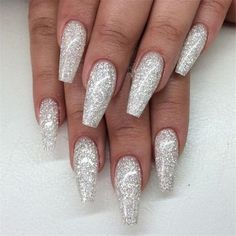 Birthday nails, silver sparkly nails, white acrylic nails with glitter, white and silver Simple Wedding Nails, Wedding Nails Design, Nail Art Designs, Acrylic Nail Designs, Silver Nail Designs, Holiday Nails, Christmas Nails, Christmas Art, Christmas Glitter